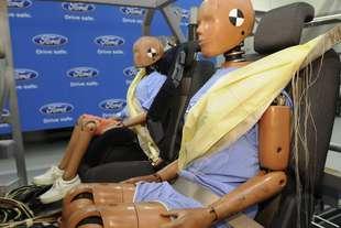 ford cintura sicurezza airbag