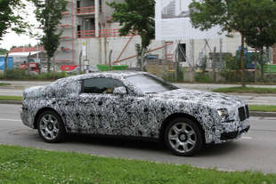 rolls royce ghost coupe spy