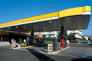 prezzi carburanti procura indaga