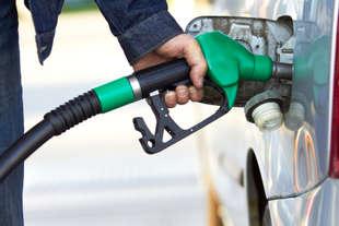 benzina 2 euro al litro
