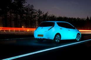 nissan leaf fluorescente smart highway