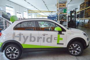 una fiat 500x ibrida BerMarTEC Hybrid E