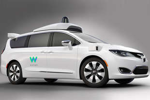 chrysler pacifica guida autonoma google waymo