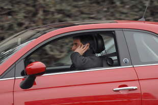telefono al volante sospensione della patente alla 1deg violazione