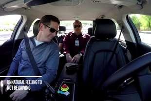 auto guida autonoma questione fiducia