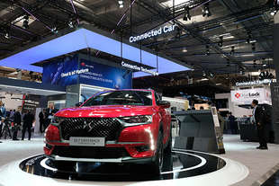 ds7 crossback auto connessa