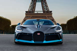 La Bugatti rende omaggio alla fabbrica di Campogalliano