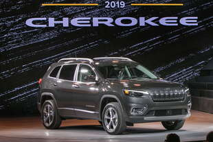 jeep cherokee 2018 restyling caratteristiche foto