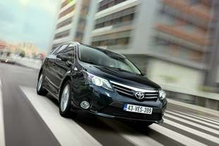 toyota avensis wagon 2 2 d cat lounge automatica