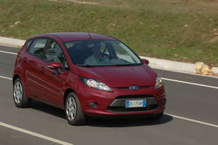 ford fiesta 12 16v plus 5p
