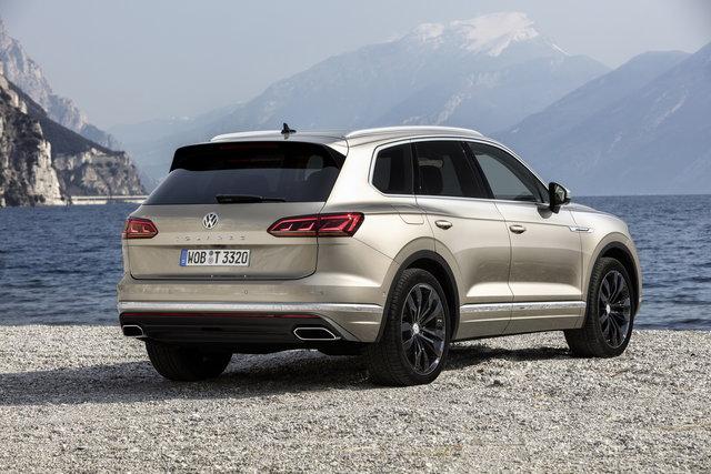Foto - Volkswagen Touareg: prezzi da 65.500 euro