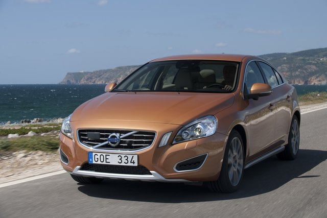volvo s60 2 0 t powershift kinetic