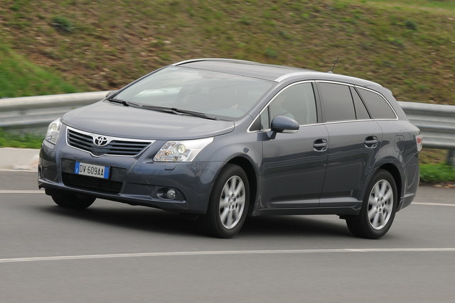 toyota avensis wagon 22 d 4d