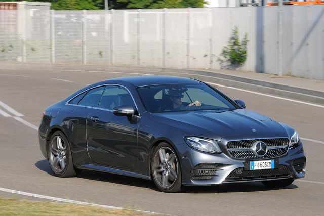 mercedes e coupe 220d
