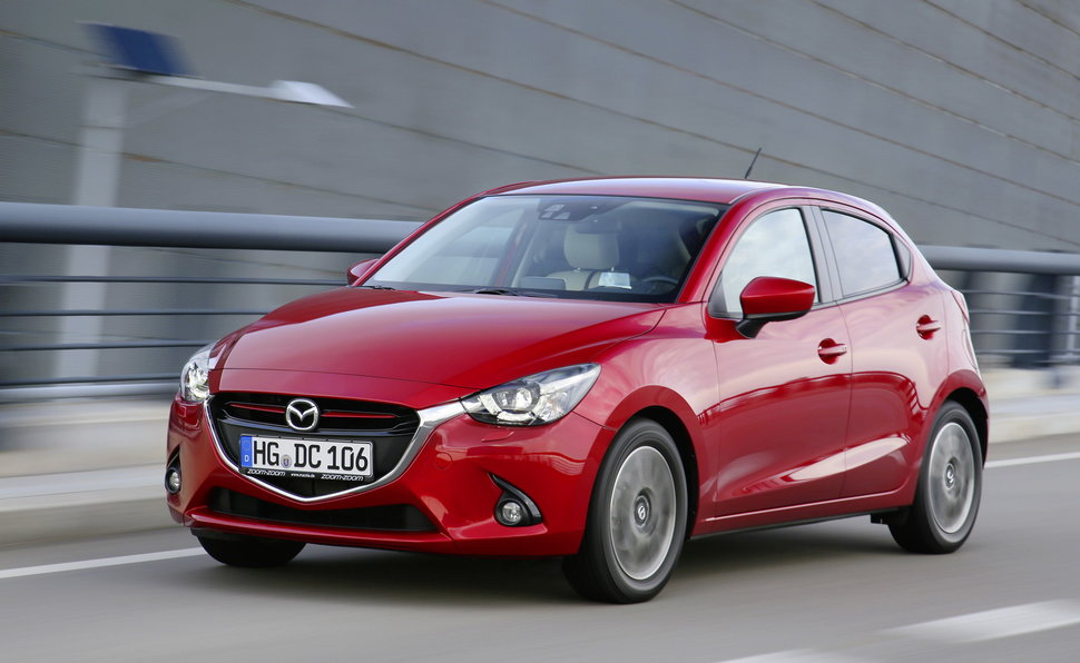 mazda 2 prova scheda tecnica opinioni e dimensioni 1 5 90 cv exceed. Black Bedroom Furniture Sets. Home Design Ideas