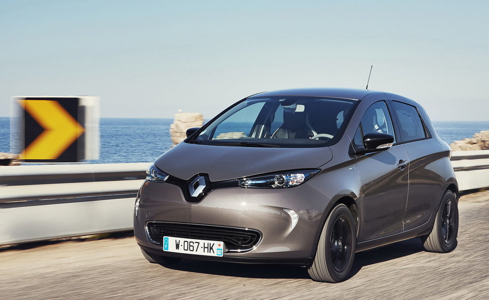 renault zoe prova scheda tecnica opinioni e dimensioni r90 bose. Black Bedroom Furniture Sets. Home Design Ideas