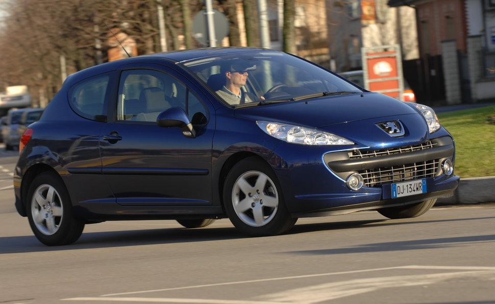 Prova Peugeot 207 Scheda Tecnica Opinioni E Dimensioni 14 16v Vti