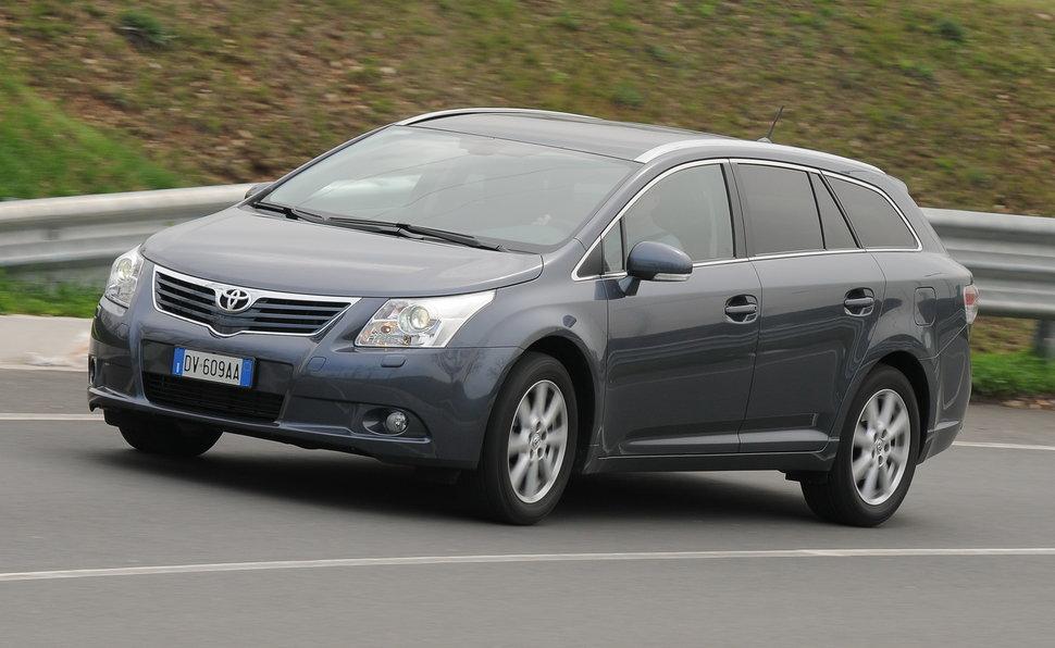 ac247514403 Prova Toyota Avensis Wagon scheda tecnica opinioni e dimensioni 2.2 ...