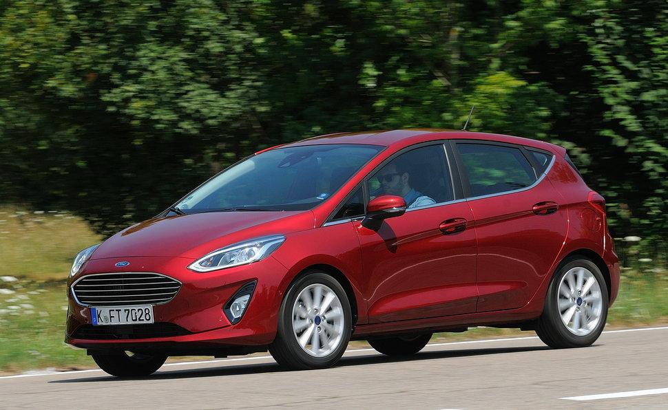 Ford Fiesta Listino Al Volante Sfondo