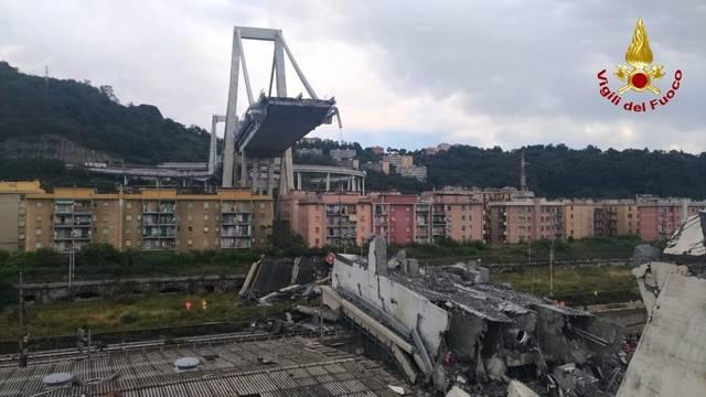 Crollo del ponte di genova ora revoca della concessione for Ponte sopra i disegni del garage