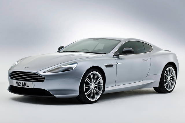Lifting per l'Aston Martin DB9