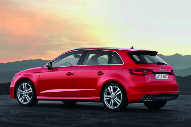 audi a3 sportback arrivano le 5 porte e il motore a metano. Black Bedroom Furniture Sets. Home Design Ideas