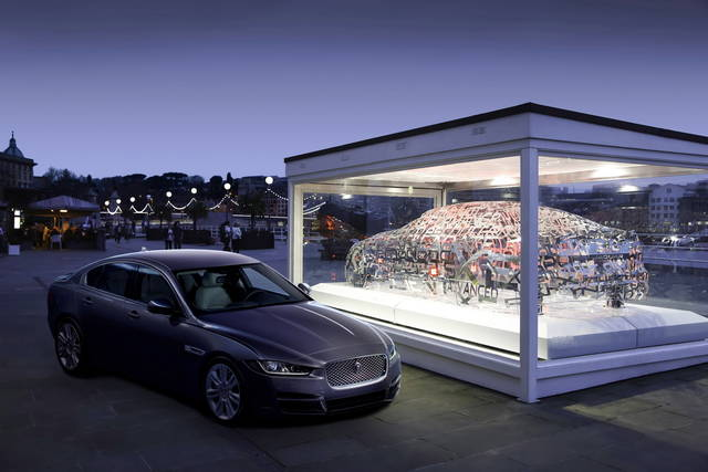"Jaguar ""on stage"" al Fuorisalone di Milano"