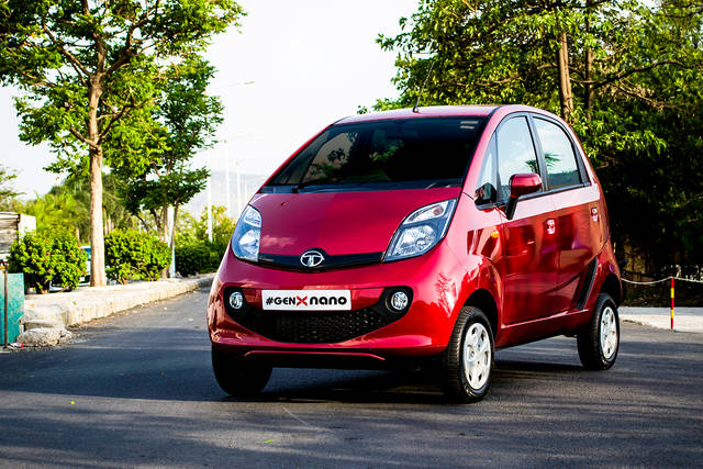 Tata Nano: addio all'auto del popolo