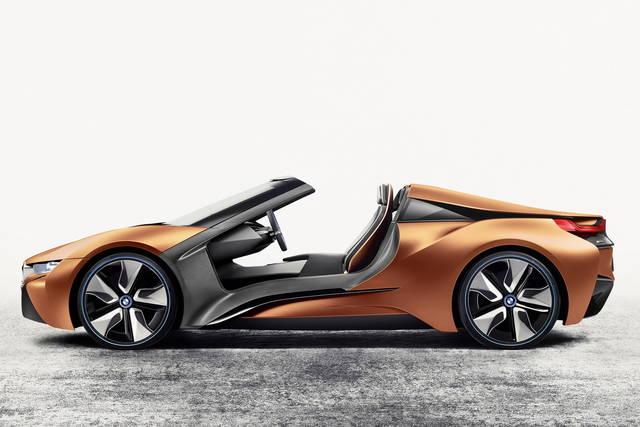 Al CES 2016 la BMW guarda al futuro