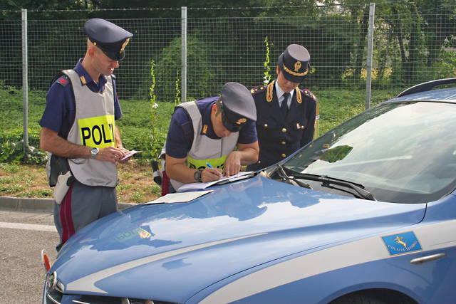 Guida senza patente non più reato?