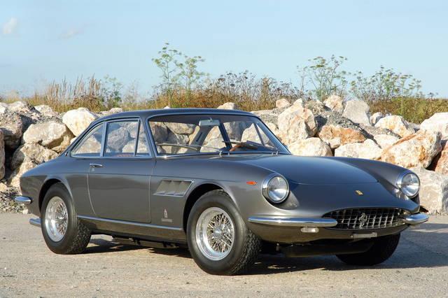 """Ferrari GTC: più comfort per i """"cumenda"""""""