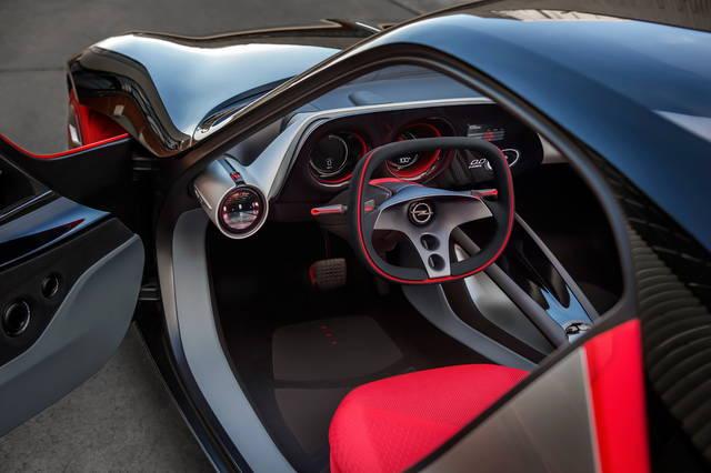 Opel GT Concept: svelati gli interni