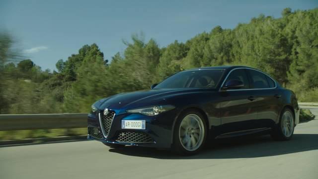 L'Alfa Romeo Giulia si mostra su strada
