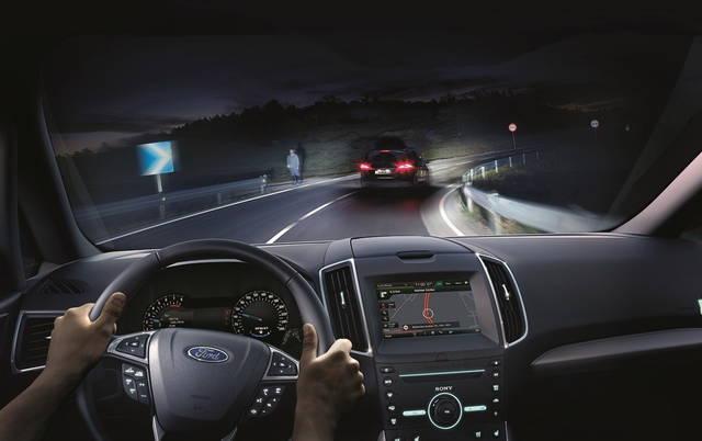 La Ford ha pronti i fari intelligenti