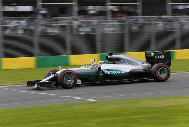 Formula 1 2016, risultato qualifiche gp Australia: pole di Hamilton. Orari diretta gara in Tv