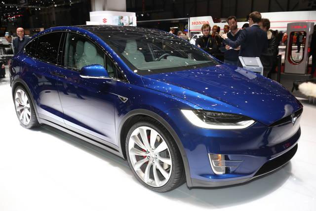 La Tesla Model X fa il suo debutto europeo