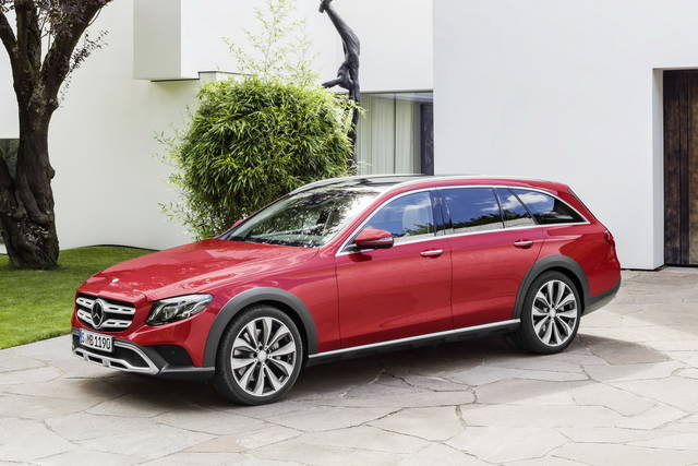 "Mercedes E All-Terrain: una wagon ""suvizzata"""