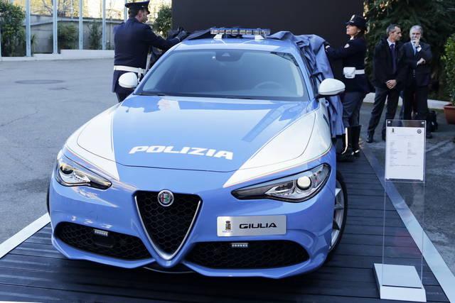 Nuove alfa romeo e jeep per la polizia for Alfa romeo prossime uscite