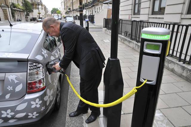 Auto elettriche verso la ricarica ultra rapida