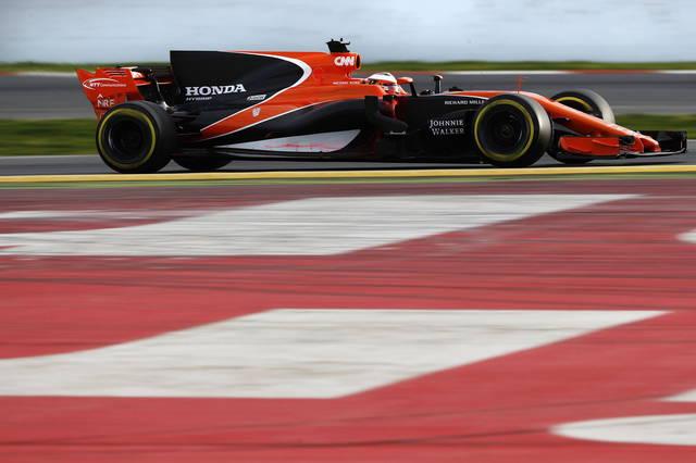 Formula 1: la McLaren sonda l'ipotesi Mercedes per i motori