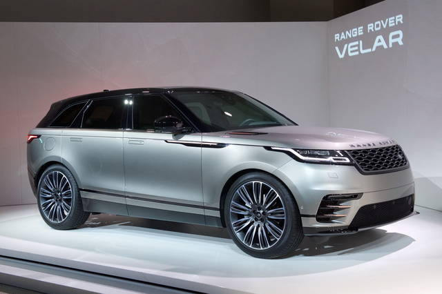 range rover velar spazio e tecnologia. Black Bedroom Furniture Sets. Home Design Ideas