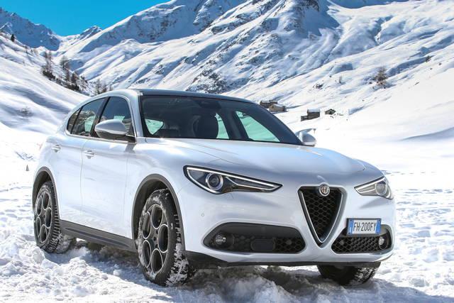 Alfa Romeo Stelvio Arrivano I Motori Base