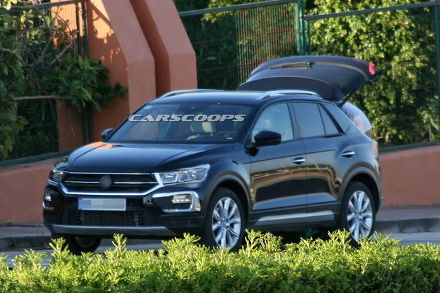 volkswagen t roc via le camuffature. Black Bedroom Furniture Sets. Home Design Ideas