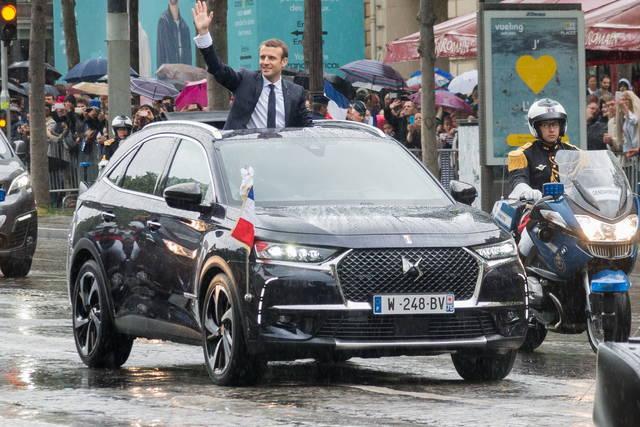 La DS7 Crossback è l'auto di Macron