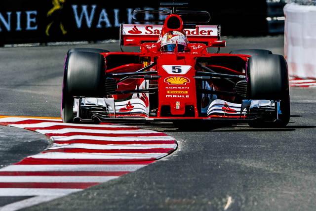 Gp Monaco, prima fila Ferrari: Raikkonen in pole davanti a Vettel
