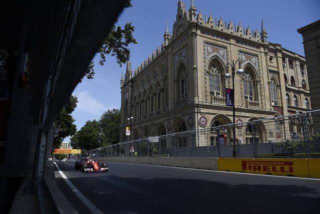 F1: Azerbaigian, riparte gara a Baku