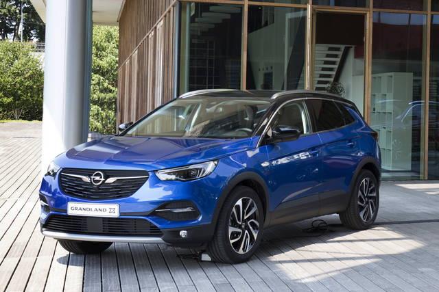Nuova Opel Grandland X: da 26.000 euro