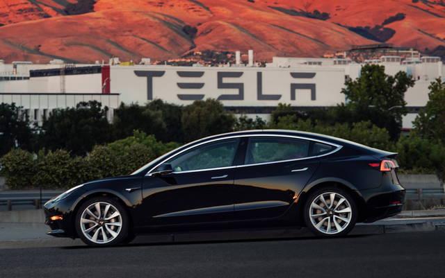 Tesla Model 3, via alla produzione