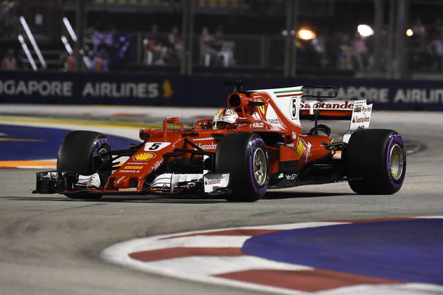 Formula 1 2017 risultato qualifiche Gp Singapore pole di Vettel. Orari diretta gara in Tv