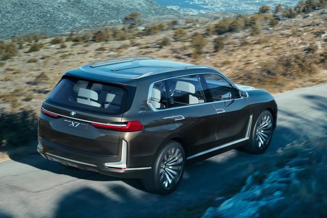 BMW Concept X7 iPerformance: un po' suv, un po' ammiraglia